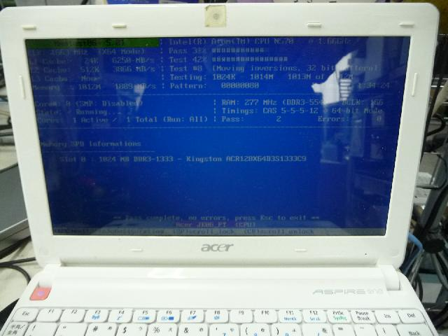 ACER aspire one happy2のHDD交換の写真0