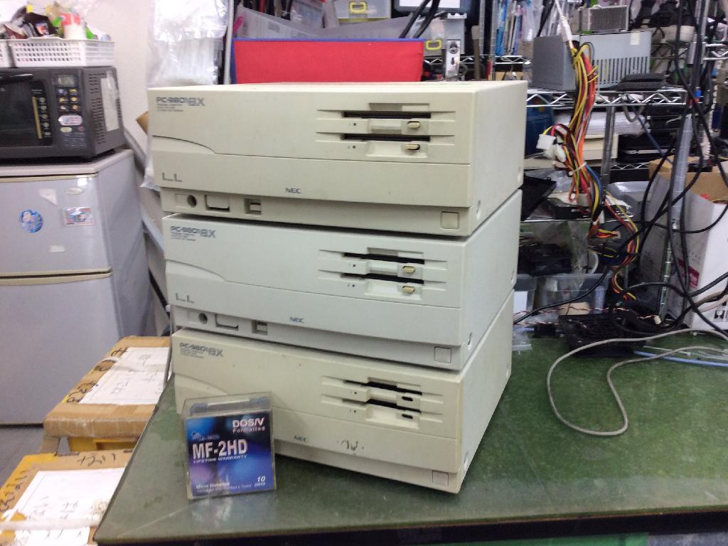NECPC-9801BX/U2の旧型PC修理の写真0