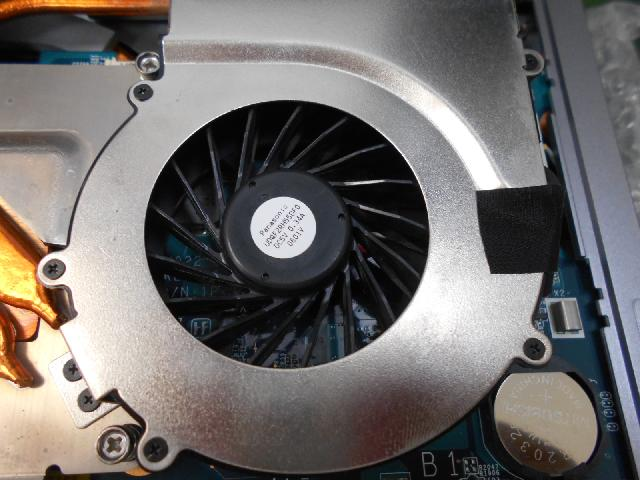 SONYVPCL138FJの修理の写真0