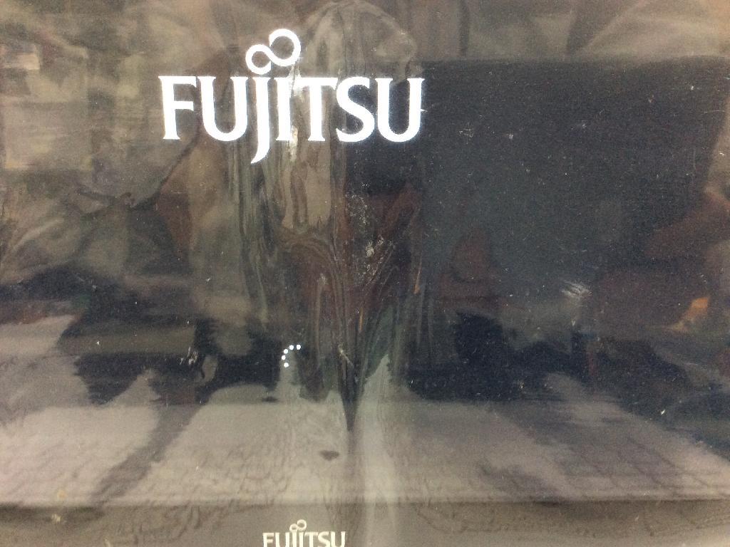 FUJITSUFMVA77UWのSSD交換の写真0