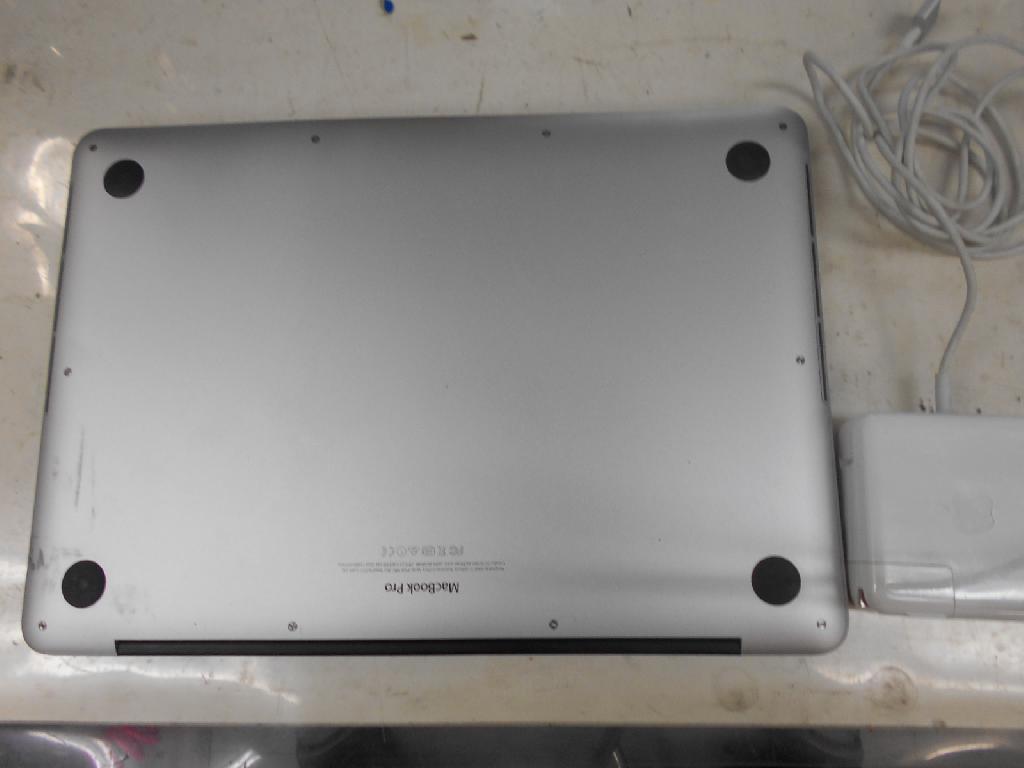 アップル(Mac)MacBook Pro A1502の修理の写真0
