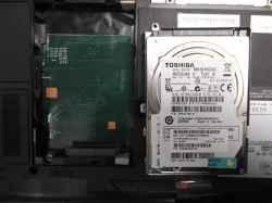 FUJITSULIFEBOOK NH77/EDのHDD交換の写真